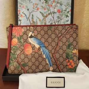 Gucci Tian Pouch Brown and Tan Gg Supreme Clutch